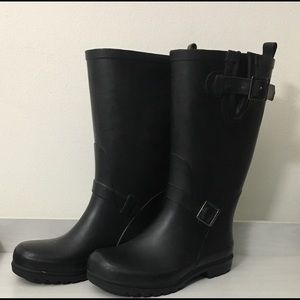 Women's Black Buckle Rainboots